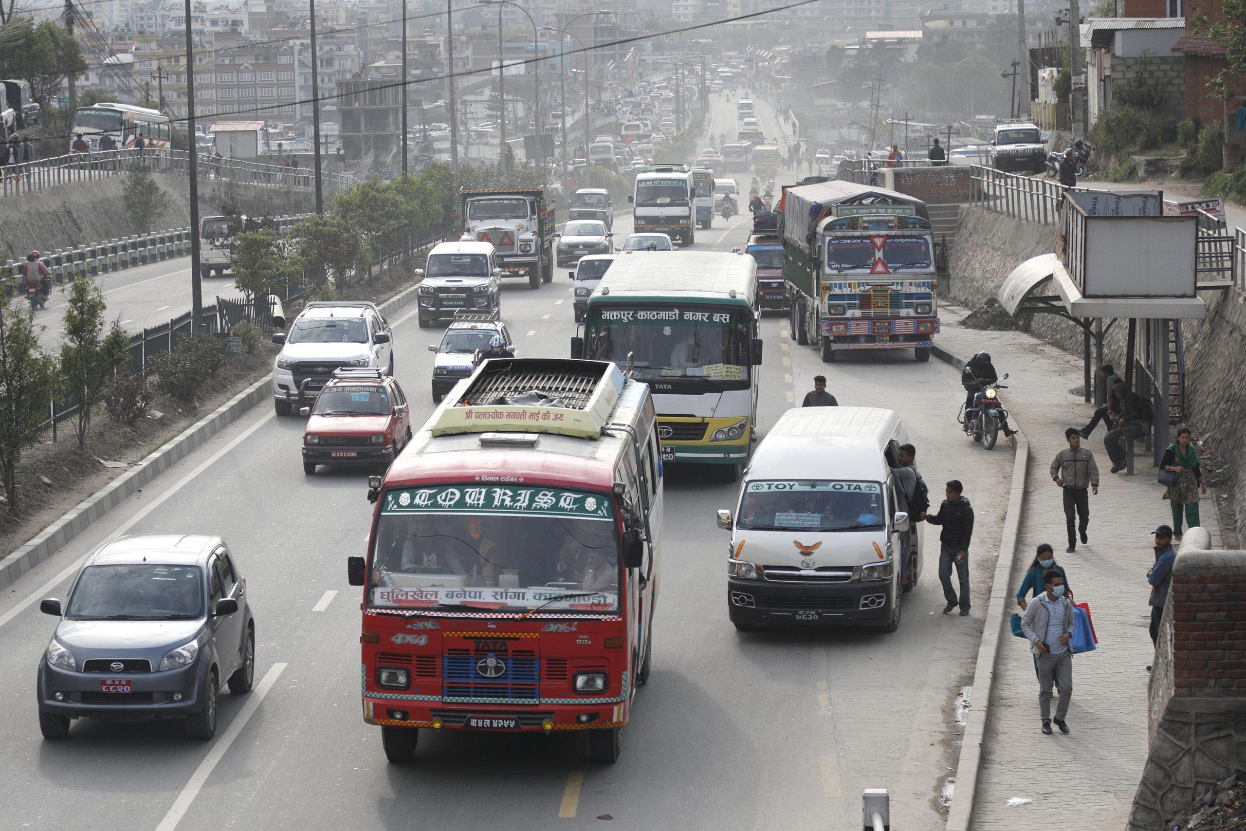 सार्वजनिक यातायात संचालन निर्देशिका जारी माक्स र सेनीटाईजर अनिवार्य