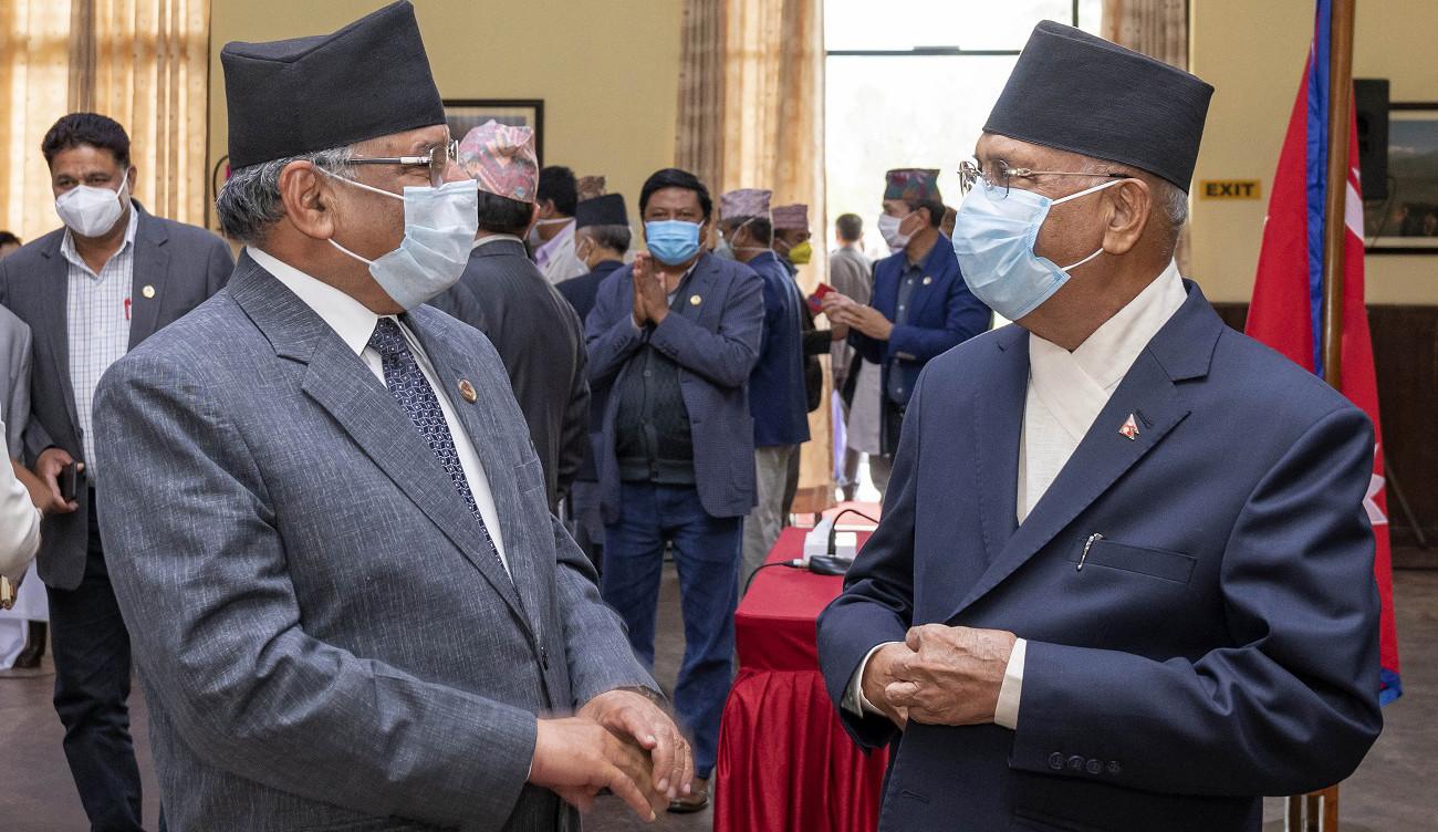 आजको वार्ता बिना निष्कर्ष भोलिको वार्तामा माधव नेपाल पनि