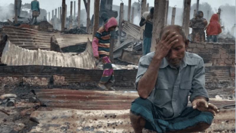 बङ्लादेशमा रहेको रोहिंग्या शरणार्थी शिविरमा ठूलो आगलागीको कयौं शरणार्थीहरुका टहरा जलेर नष्ट